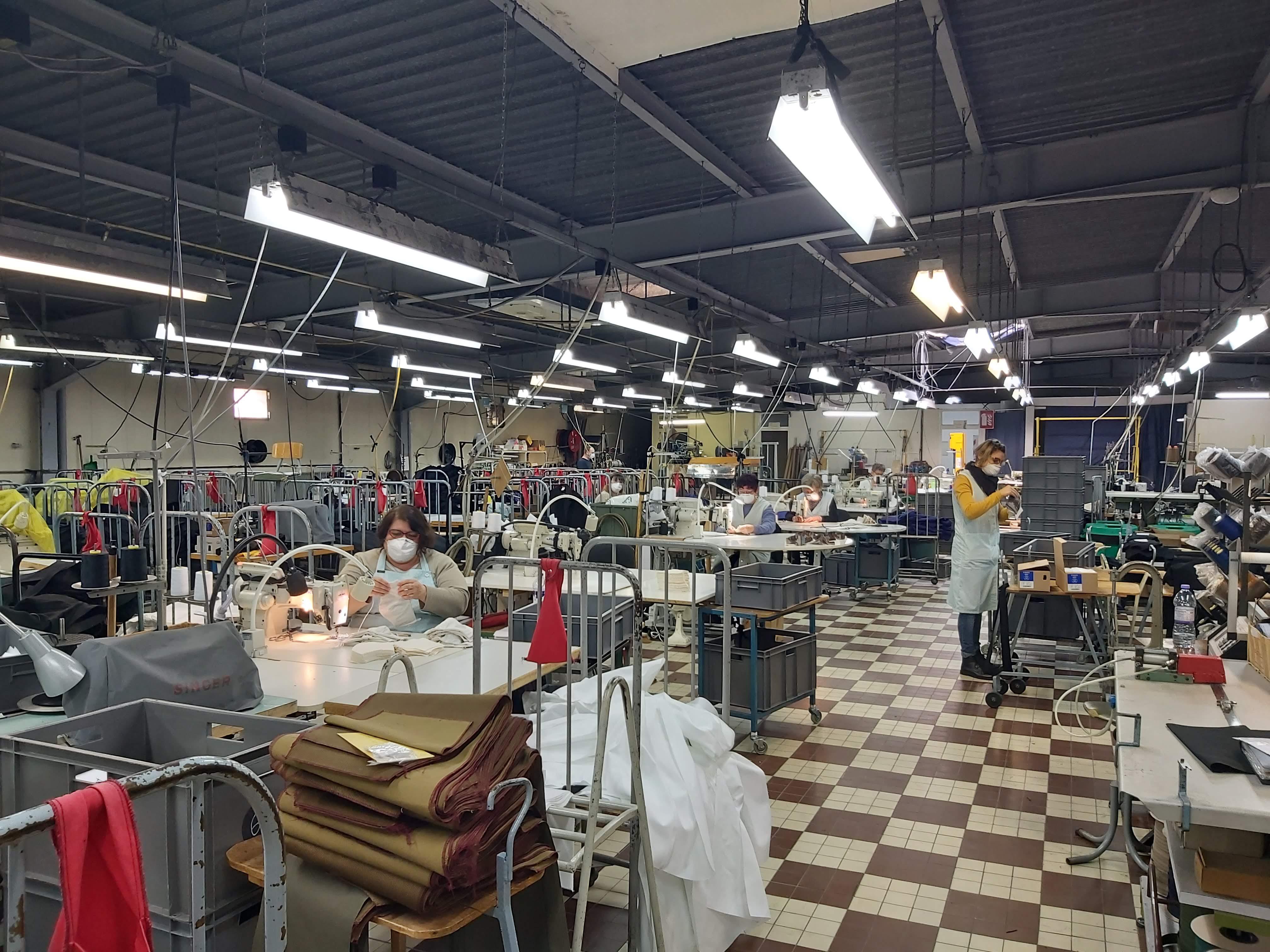 Fabrique de masques à Digoin au Laboureur